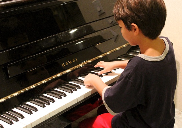 What is the Best Age to Start Piano? - Hoffman Academy